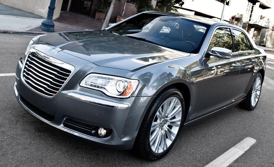 2011 Chrysler 300C - Slide 13