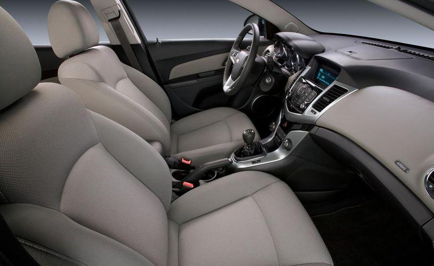2011 Chevrolet Cruze Eco - Slide 10