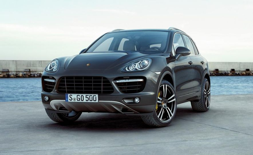 2011 Porsche Cayenne Turbo - Slide 1