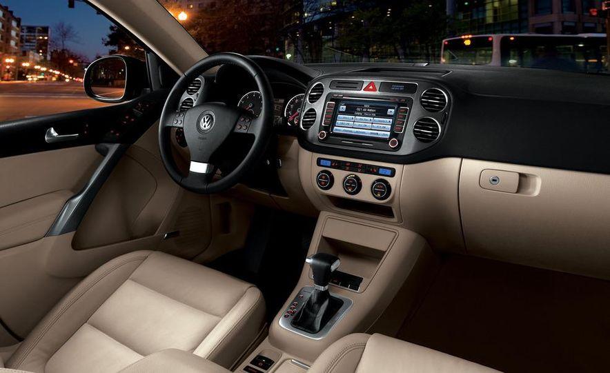 2012 Volkswagen Tiguan (European spec) - Slide 15