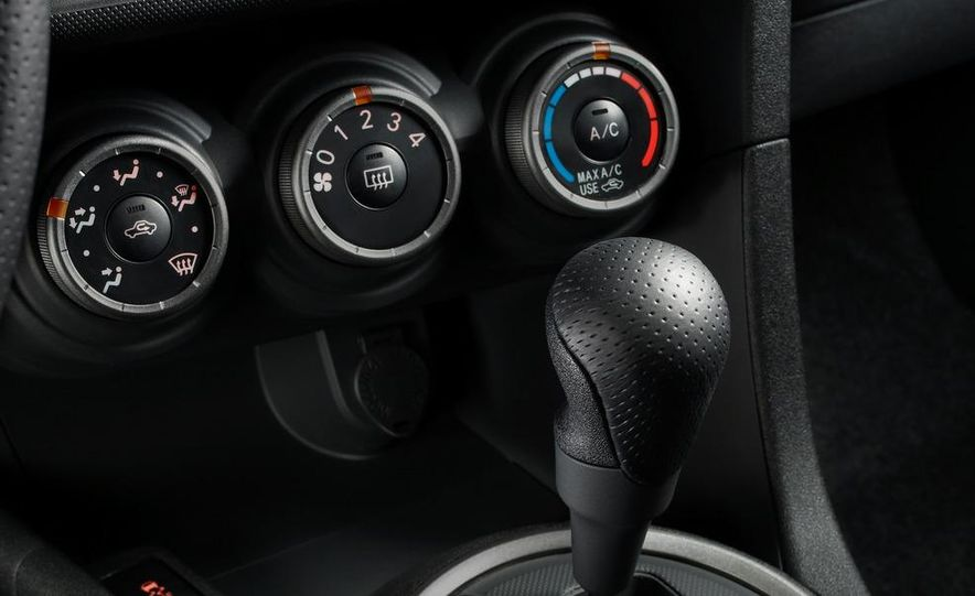 2011 Scion tC automatic - Slide 30