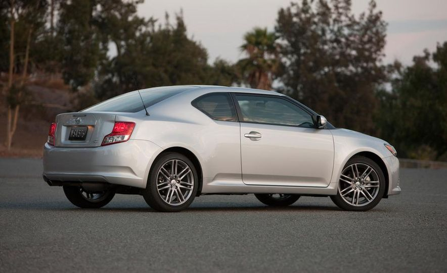 2011 Scion tC automatic - Slide 4