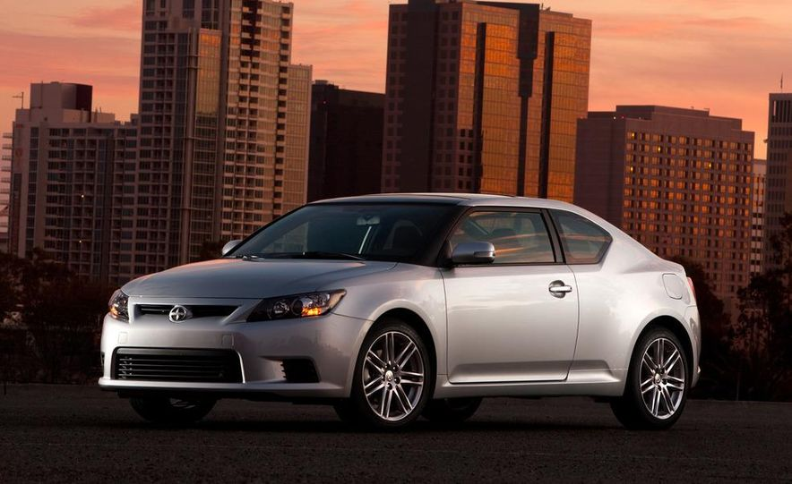 2011 Scion tC automatic - Slide 5