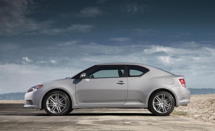 2011 Scion tC automatic - Slide 7