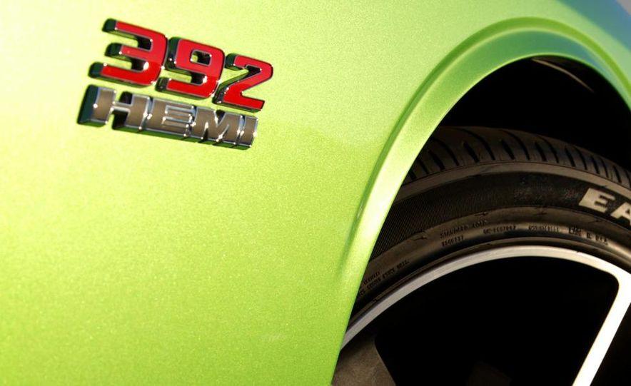 2011 Dodge Challenger SRT8 392 - Slide 5