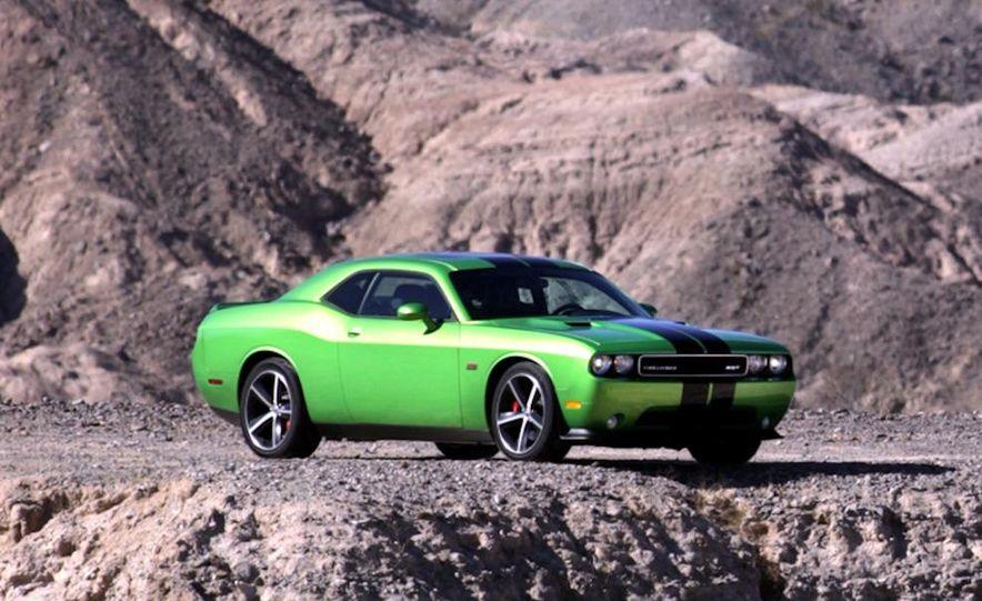 2011 Dodge Challenger SRT8 392 - Slide 3