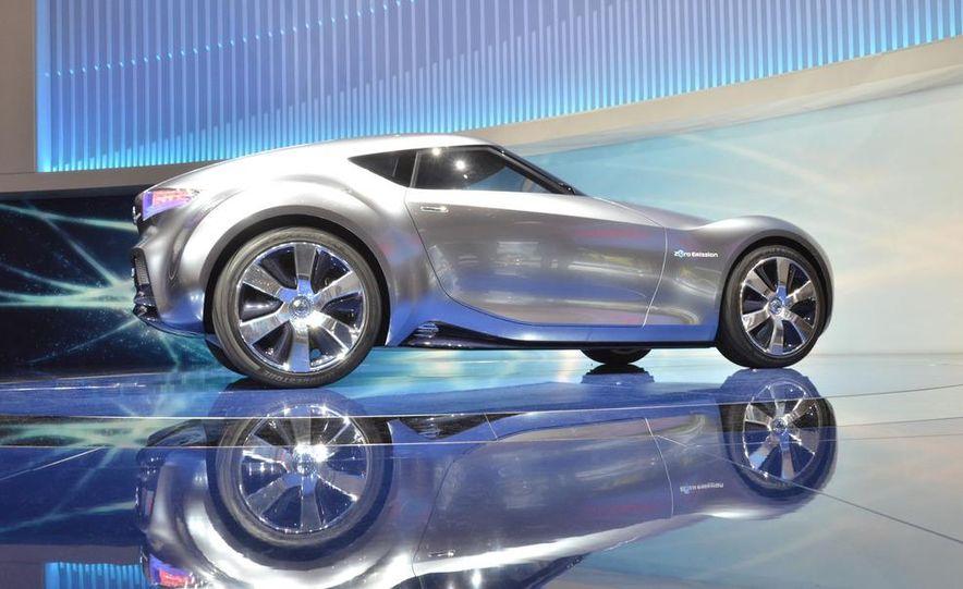 Nissan ESFLOW concept - Slide 1