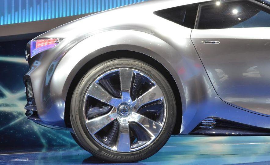 Nissan ESFLOW concept - Slide 2