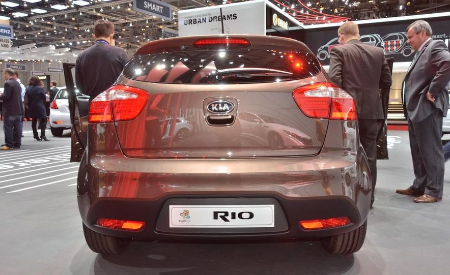 2012 Kia Rio5 - Slide 2