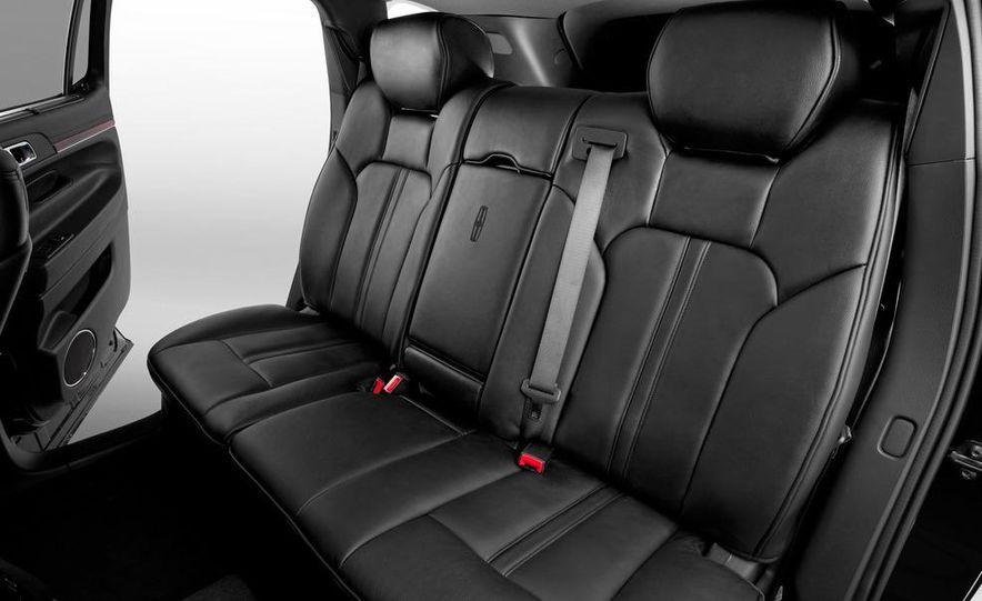 2012 Lincoln MKT Town Car Limousine interior - Slide 1