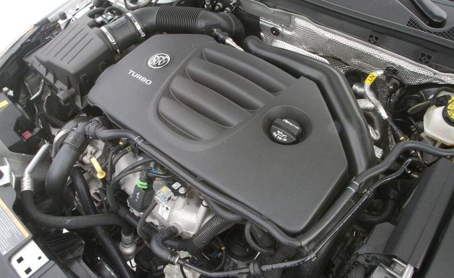 2011 Buick Regal CXL Turbo - Slide 31