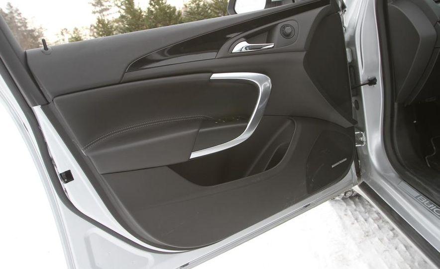 2011 Buick Regal CXL Turbo - Slide 18