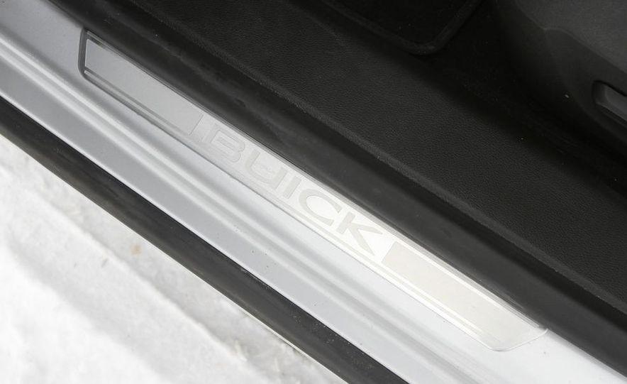 2011 Buick Regal CXL Turbo - Slide 30