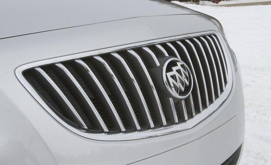 2011 Buick Regal CXL Turbo - Slide 10