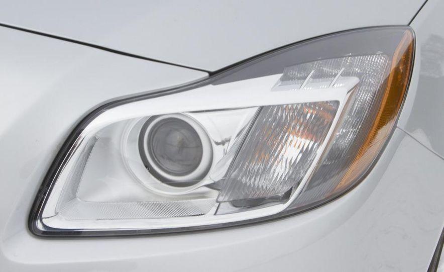 2011 Buick Regal CXL Turbo - Slide 9