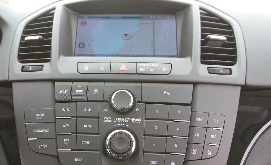 2011 Buick Regal CXL Turbo - Slide 24