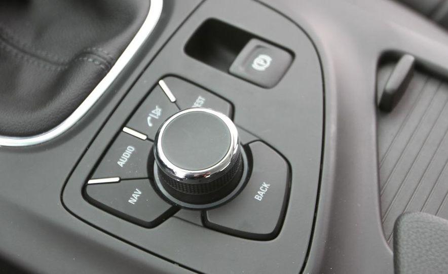 2011 Buick Regal CXL Turbo - Slide 29