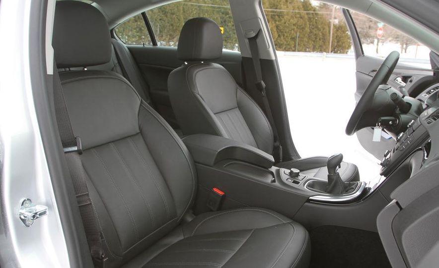 2011 Buick Regal CXL Turbo - Slide 16