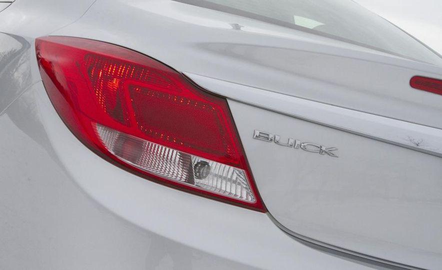 2011 Buick Regal CXL Turbo - Slide 12