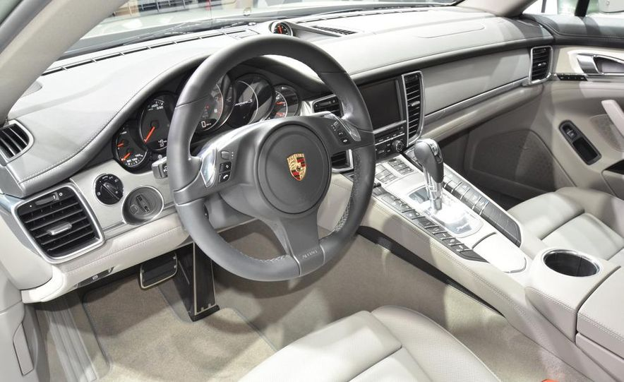 2012 Porsche Panamera S hybrid - Slide 16