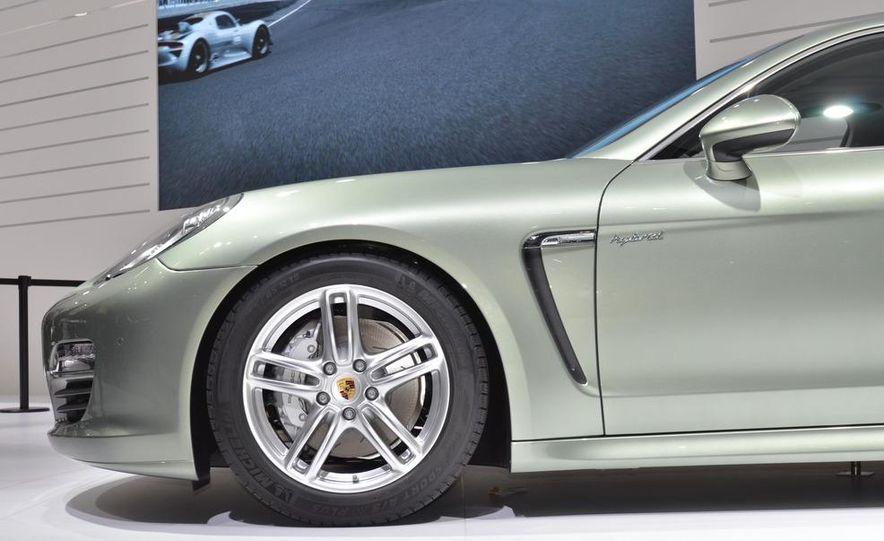 2012 Porsche Panamera S hybrid - Slide 10