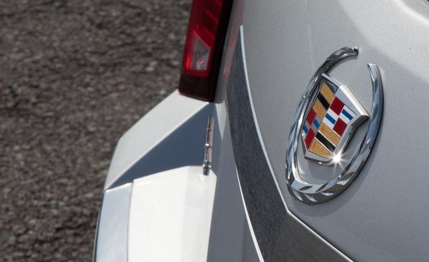 2011 Cadillac CTS-V wagon - Slide 35