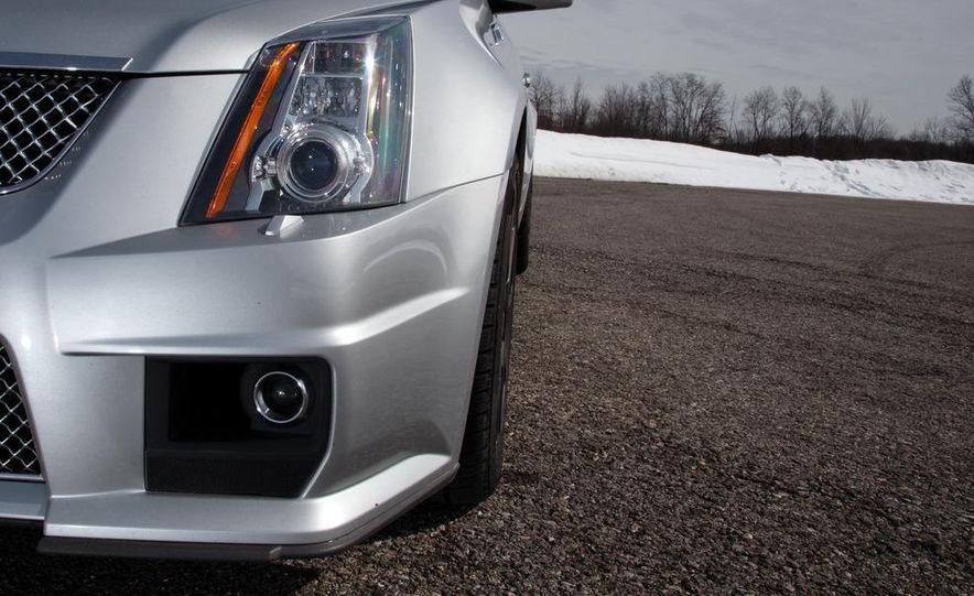 2011 Cadillac CTS-V wagon - Slide 33