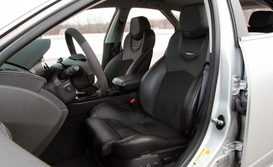 2011 Cadillac CTS-V wagon - Slide 37