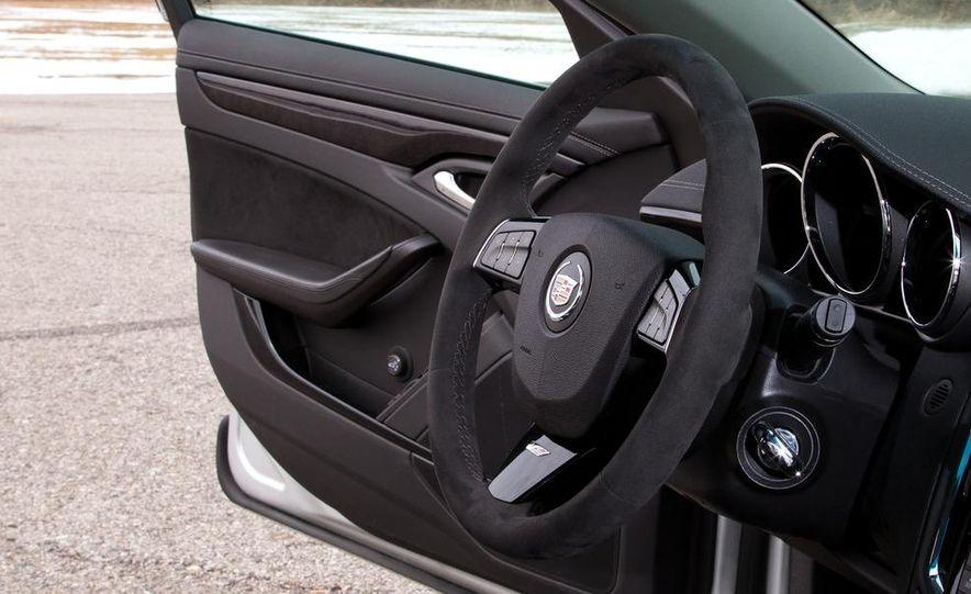 2011 Cadillac CTS-V wagon - Slide 41