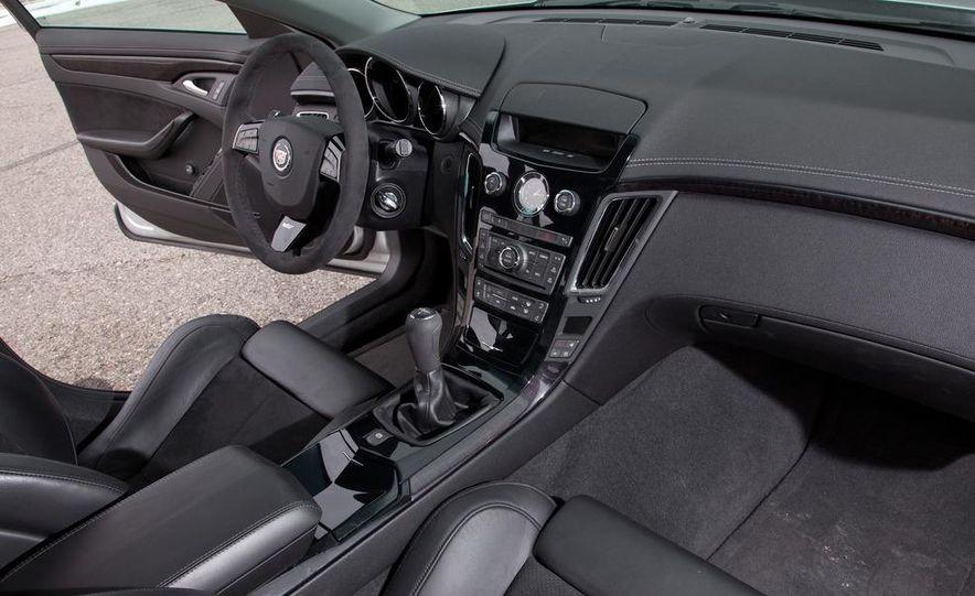 2011 Cadillac CTS-V wagon - Slide 42