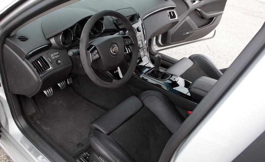 2011 Cadillac CTS-V wagon - Slide 43