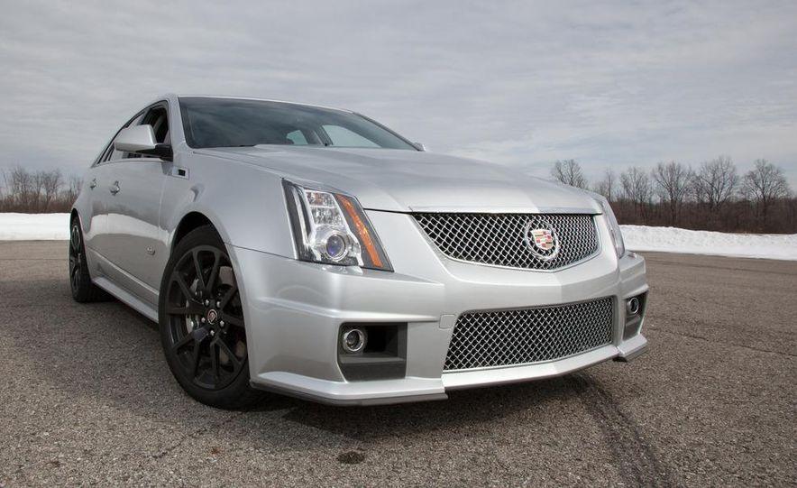 2011 Cadillac CTS-V wagon - Slide 19