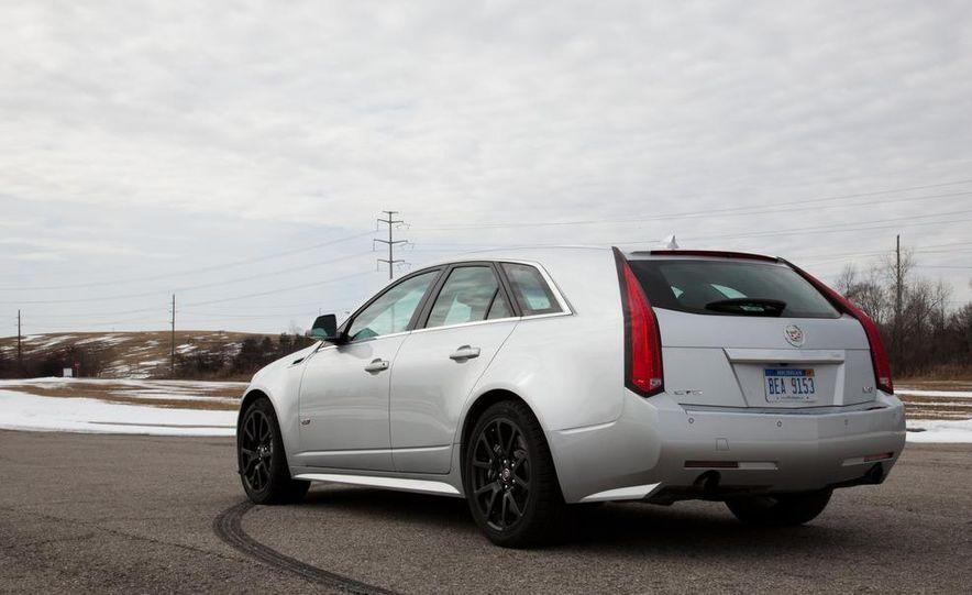 2011 Cadillac CTS-V wagon - Slide 20