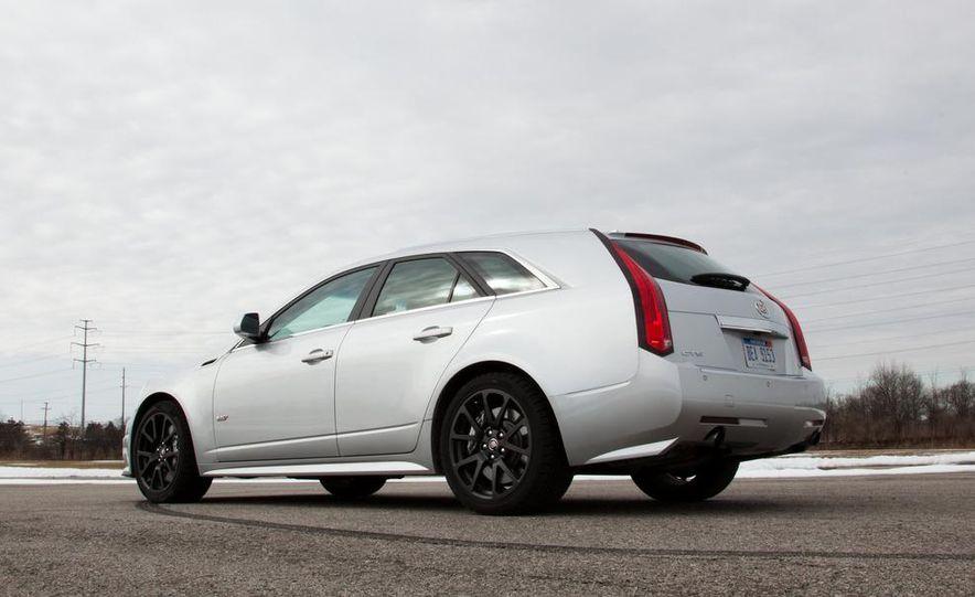 2011 Cadillac CTS-V wagon - Slide 21