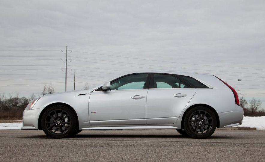 2011 Cadillac CTS-V wagon - Slide 22