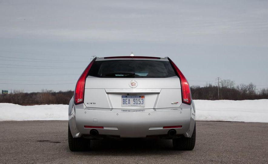 2011 Cadillac CTS-V wagon - Slide 25