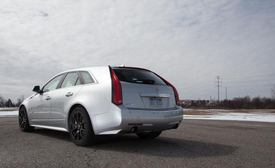 2011 Cadillac CTS-V wagon - Slide 26