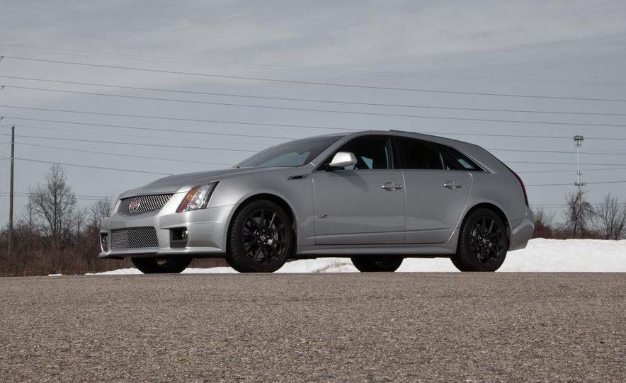 2011 Cadillac CTS-V wagon - Slide 27