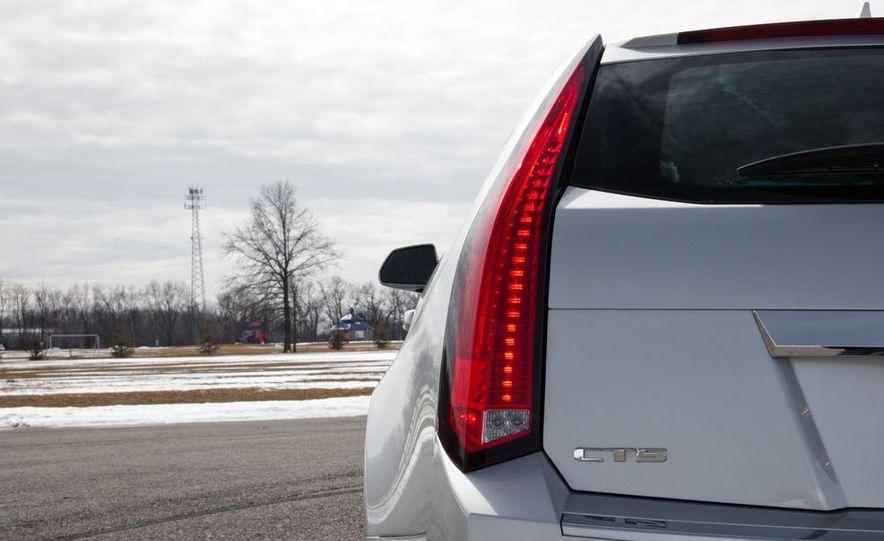 2011 Cadillac CTS-V wagon - Slide 31