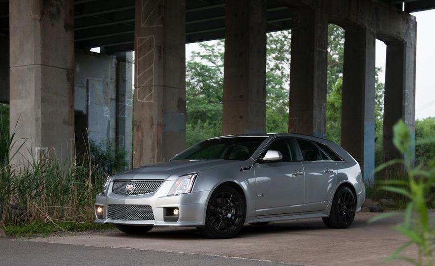 2011 Cadillac CTS-V wagon - Slide 13