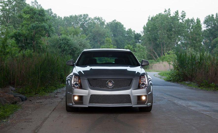 2011 Cadillac CTS-V wagon - Slide 15