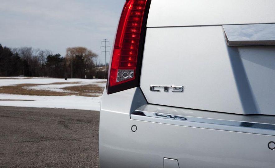 2011 Cadillac CTS-V wagon - Slide 36