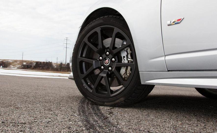 2011 Cadillac CTS-V wagon - Slide 29