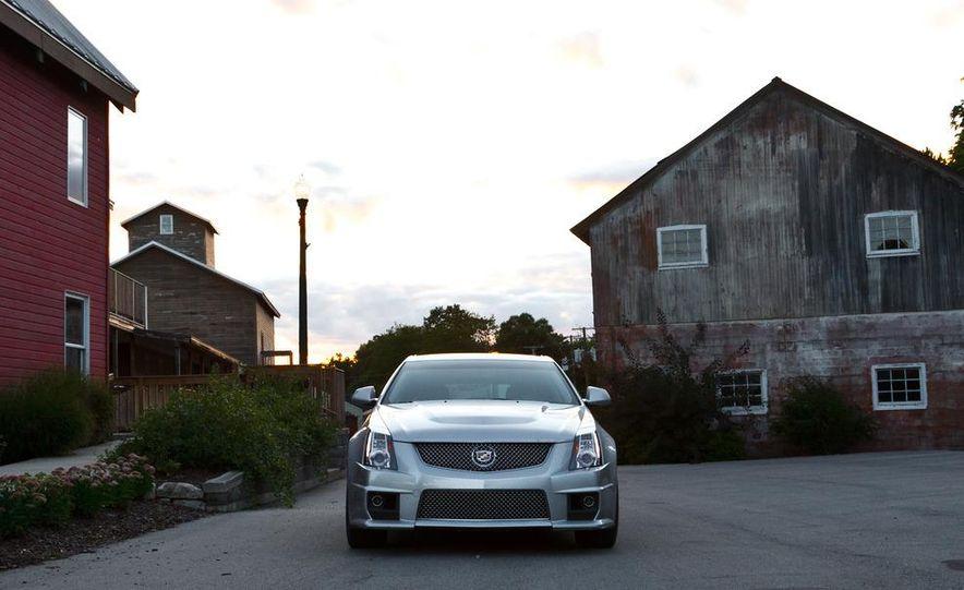 2011 Cadillac CTS-V wagon - Slide 2