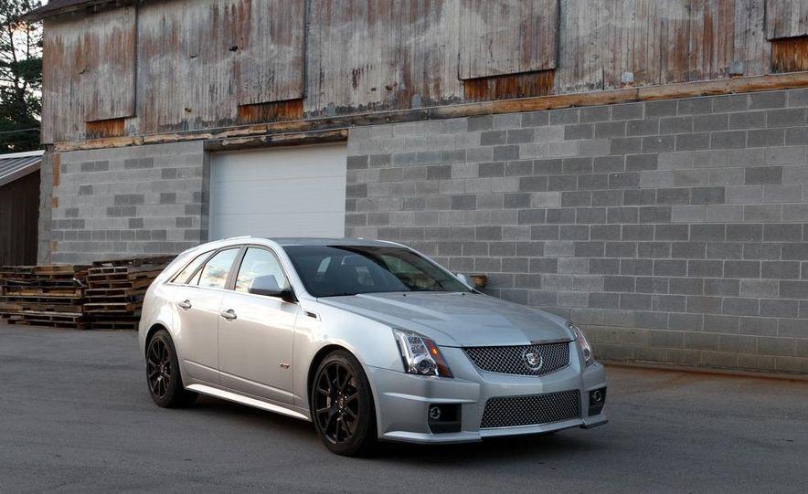 2011 Cadillac CTS-V wagon - Slide 1