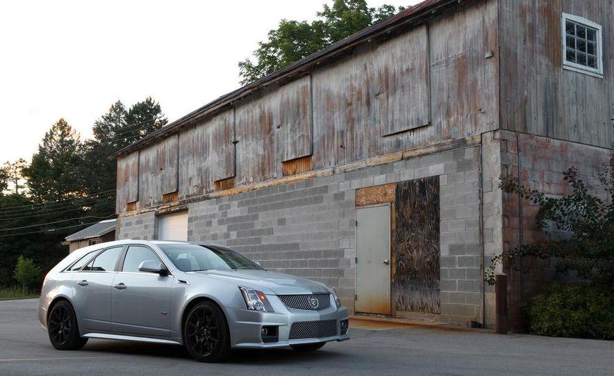 2011 Cadillac CTS-V wagon - Slide 3