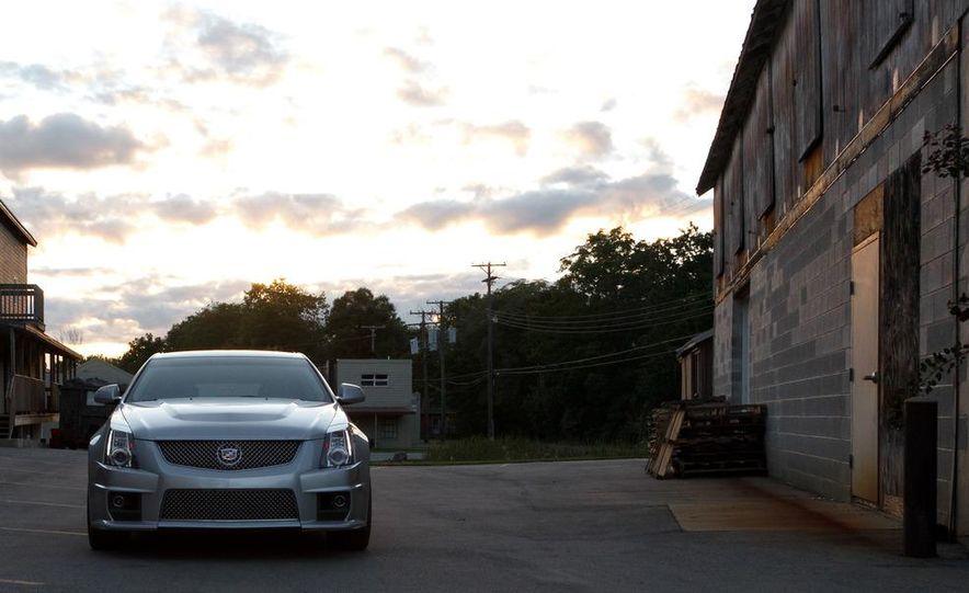 2011 Cadillac CTS-V wagon - Slide 5