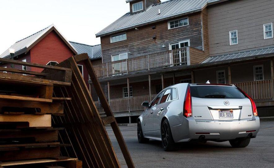 2011 Cadillac CTS-V wagon - Slide 7