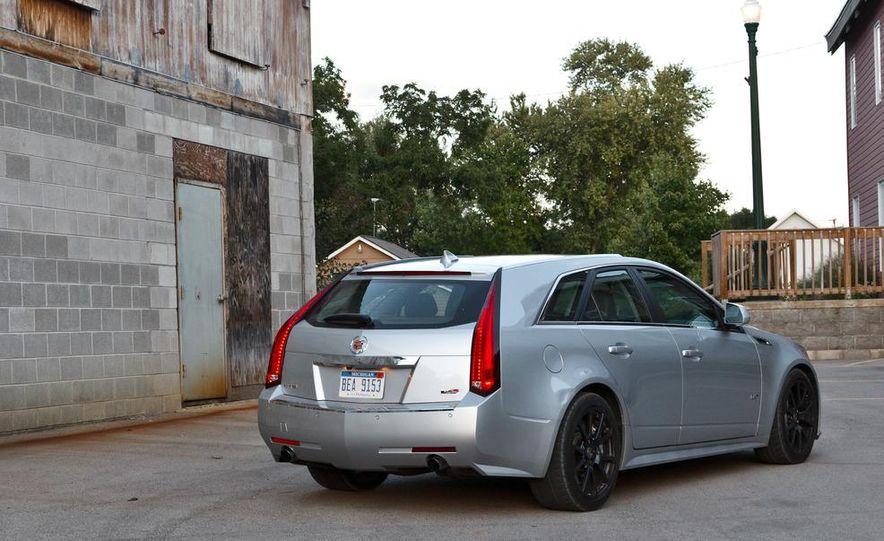 2011 Cadillac CTS-V wagon - Slide 8