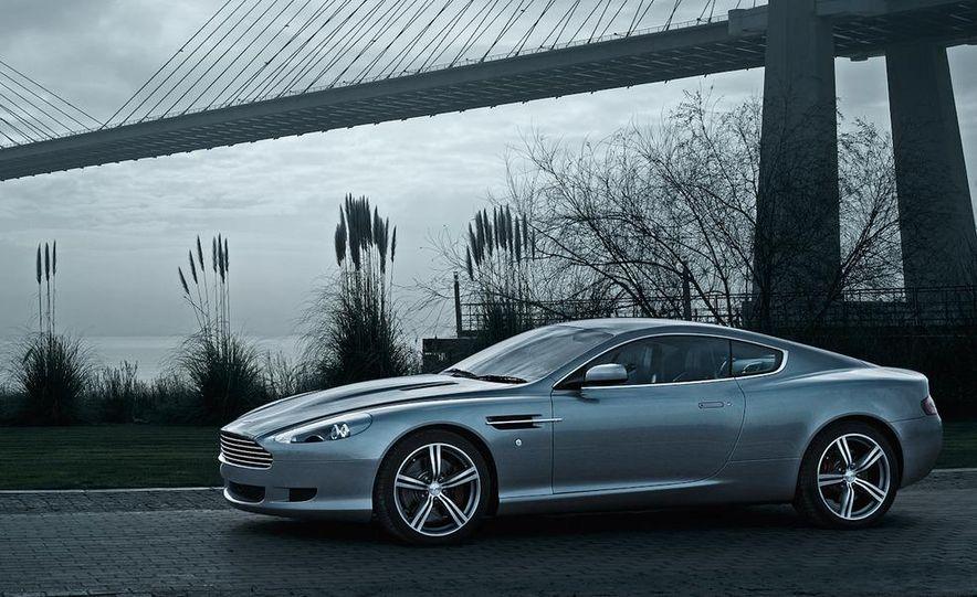 2012 Aston Martin V-8 Vantage S coupe - Slide 23